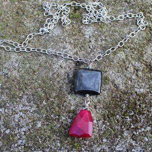 [5/$25] Simple Chunky Gem Ruby Onyx Necklace